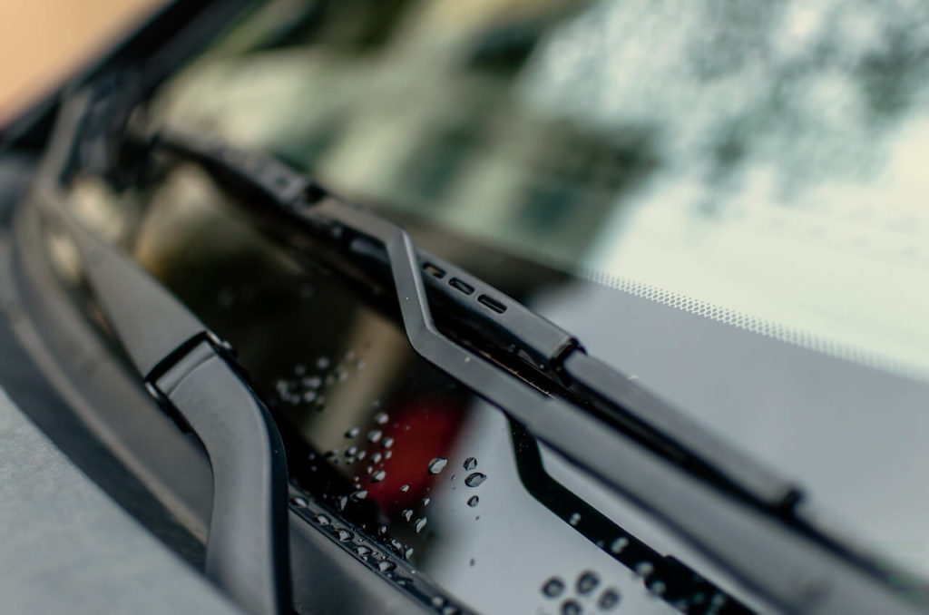 Best Windshield Wipers For Winter, Snow, Rain & Hot Weather