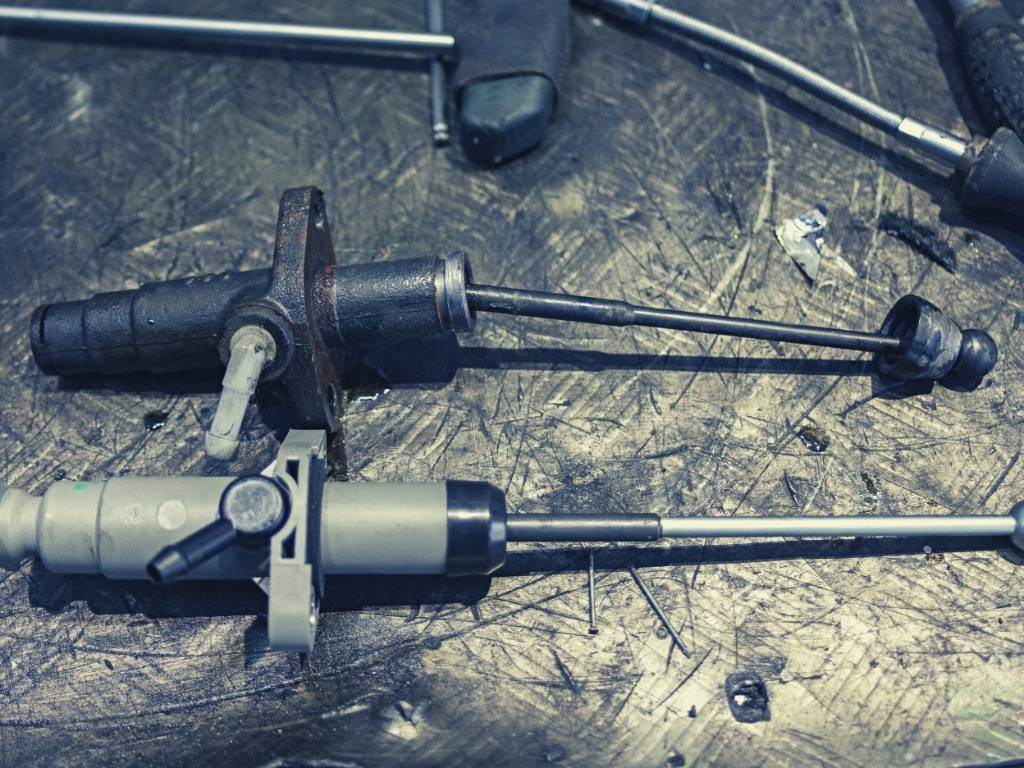How to Tell If Your Clutch Slave Cylinder Is Bad?