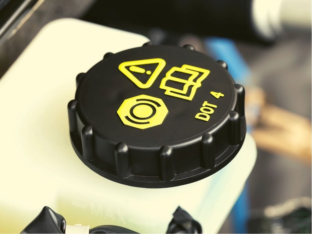 The Difference Between Dot 3 and Dot 4 Brake Fluid